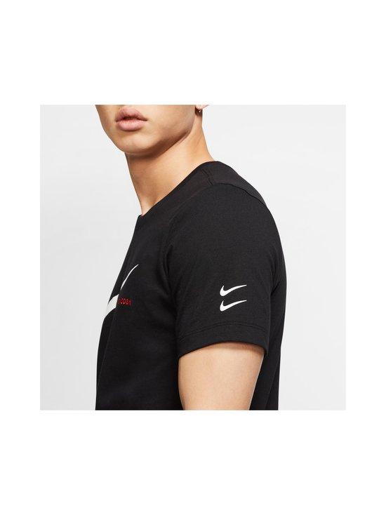 Nike - Swoosh Tee -paita - 010 BLACK/WHITE | Stockmann - photo 6