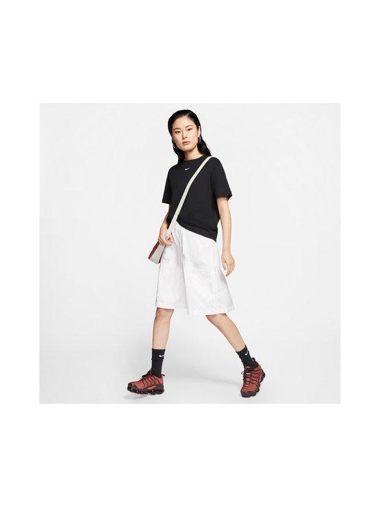 Nike - Essential-paita - 010 BLACK/WHITE | Stockmann - photo 6