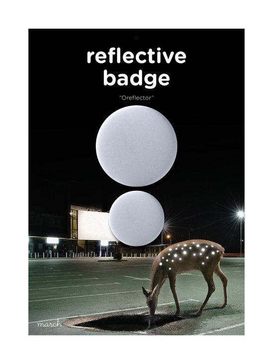 March Design - Oreflector- heijastava rintamerkki 2 kpl - WHITE (VALKOINEN) | Stockmann - photo 1