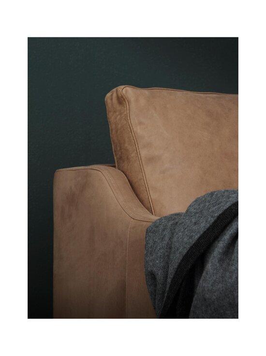 Interface - Leon-nahkasohva 202 cm - KIINTOVERHOILU NAHKA DUNES CAMEL   Stockmann - photo 3