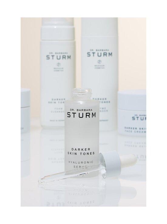 Dr. Barbara Sturm - Darker Skin Tones Hyaluronic Serum -seerumi 30 ml - NOCOL   Stockmann - photo 5
