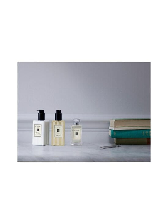 Jo Malone London - Peony & Blush Suede Body & Hand Wash -nestesaippua 250 ml - NOCOL | Stockmann - photo 3