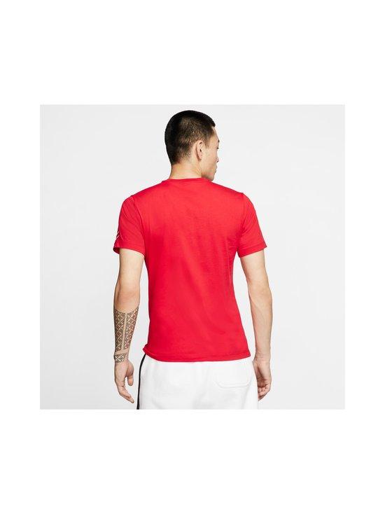 Nike - Swoosh Tee -paita - 657 UNIVERSITY RED/WHITE | Stockmann - photo 4