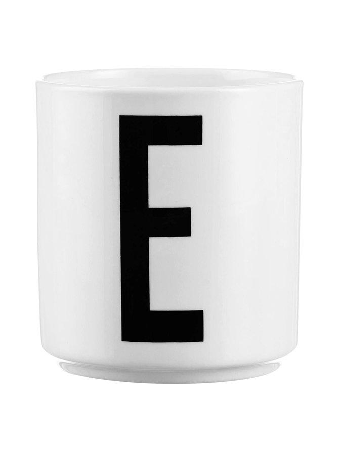 Kirjainmuki, E