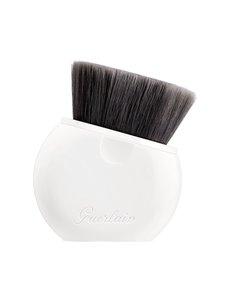 Guerlain - L'Essentiel Foundation Brush -meikkivoidesivellin - null | Stockmann