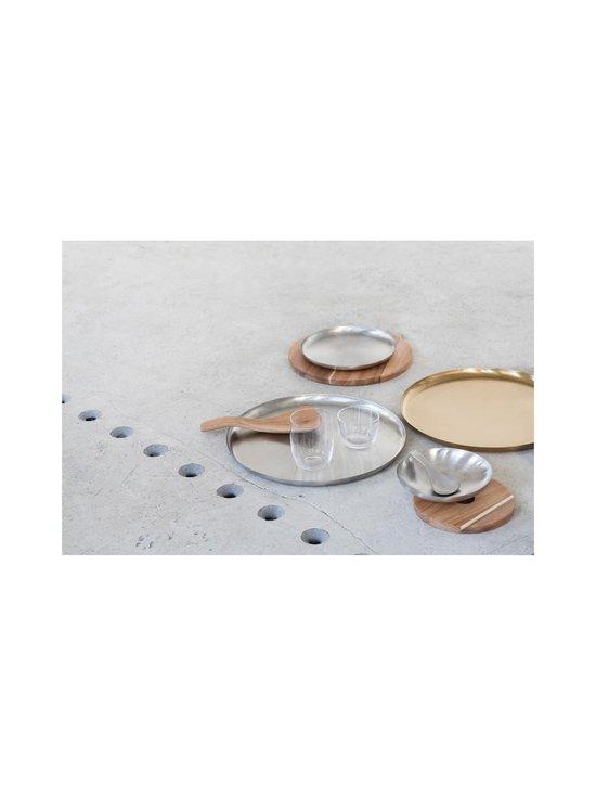 Serax - Table Accessories -tarjoilulautanen ⌀ 36 cm - STEEL | Stockmann - photo 4