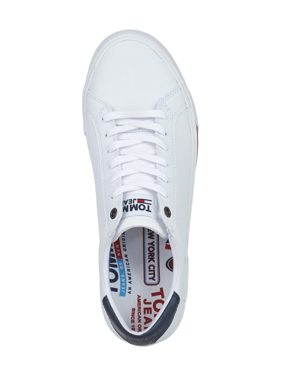 Essential Low-Top Leather Trainers -sneakerit