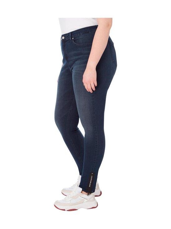 Calvin Klein Jeans Plus - Plus Size High Rise Skinny Ankle Jeans -farkut - 1BJ BB234 - BLUE BLACK LOGO ZIP HEM | Stockmann - photo 4