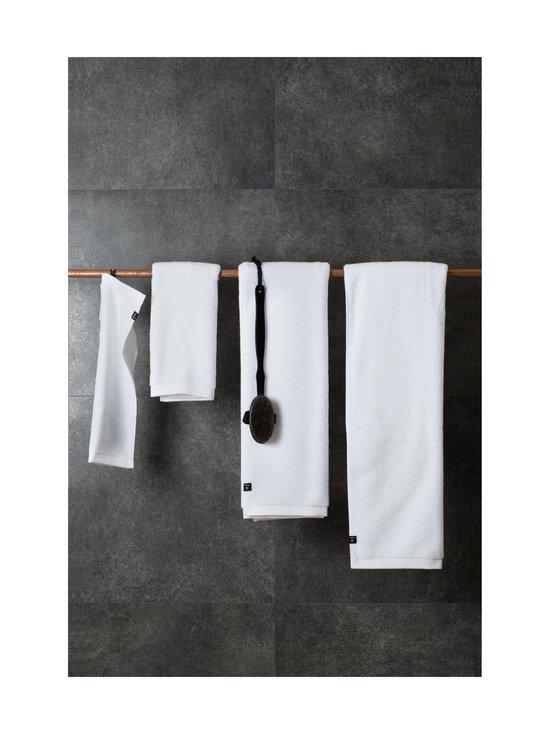 Himla - Maxime-pyyhe 30 x 50 cm - WHITE | Stockmann - photo 2