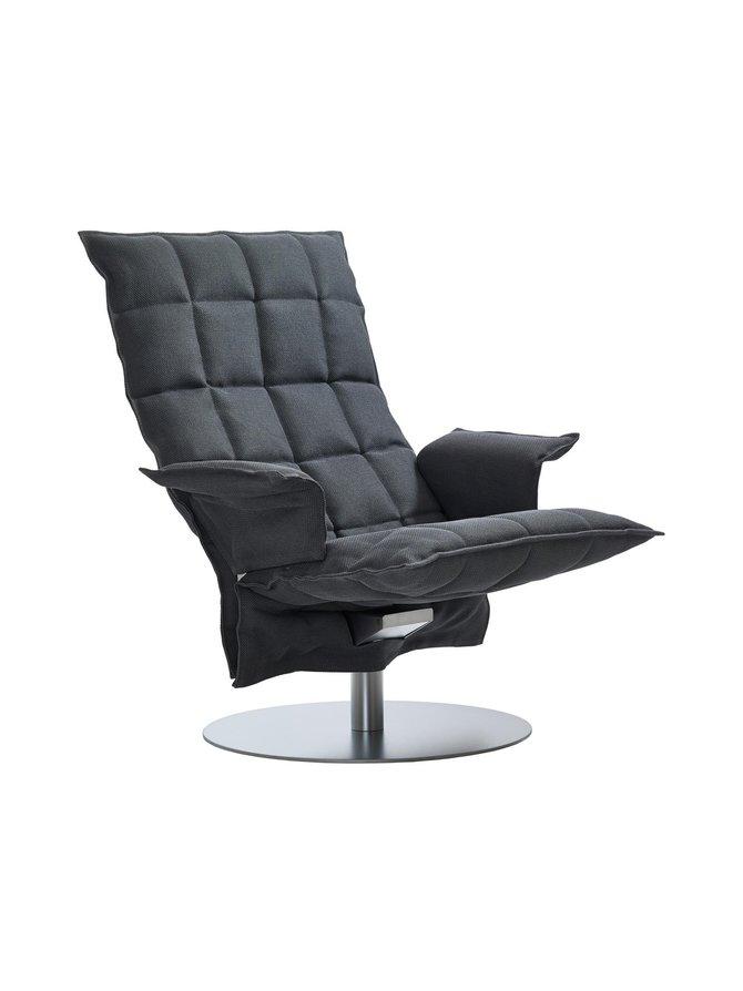 K-tuoli käsinojilla