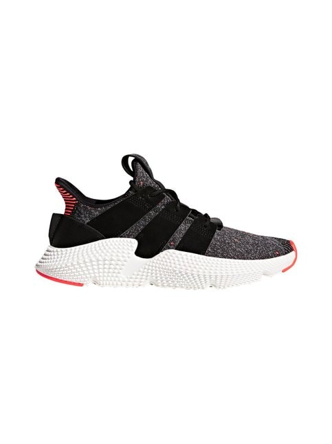 M Prophere-sneakerit