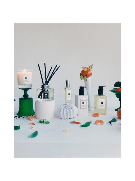 Jo Malone London - Lime Basil & Mandarin Body & Hand Wash -nestesaippua 250 ml - NOCOL   Stockmann - photo 3