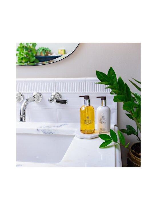 Molton Brown - Flora Luminare Hand Wash -käsisaippua 300 ml - NOCOL | Stockmann - photo 4