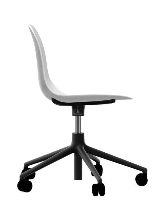Normann Copenhagen - Form Swivel -tuoli - VALKOINEN/MUSTA | Stockmann - photo 2