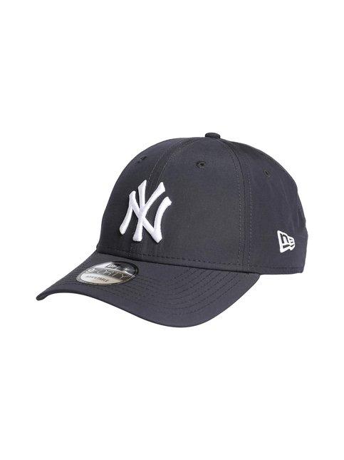 9Forty NY Yankees -lippalakki