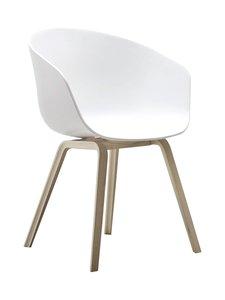 HAY - About A Chair AAC 22 -tuoli - OAK SOAPED/CREAM WHITE (SAIPPUAKÄSITELTY TAMMI/VALKOINEN) | Stockmann