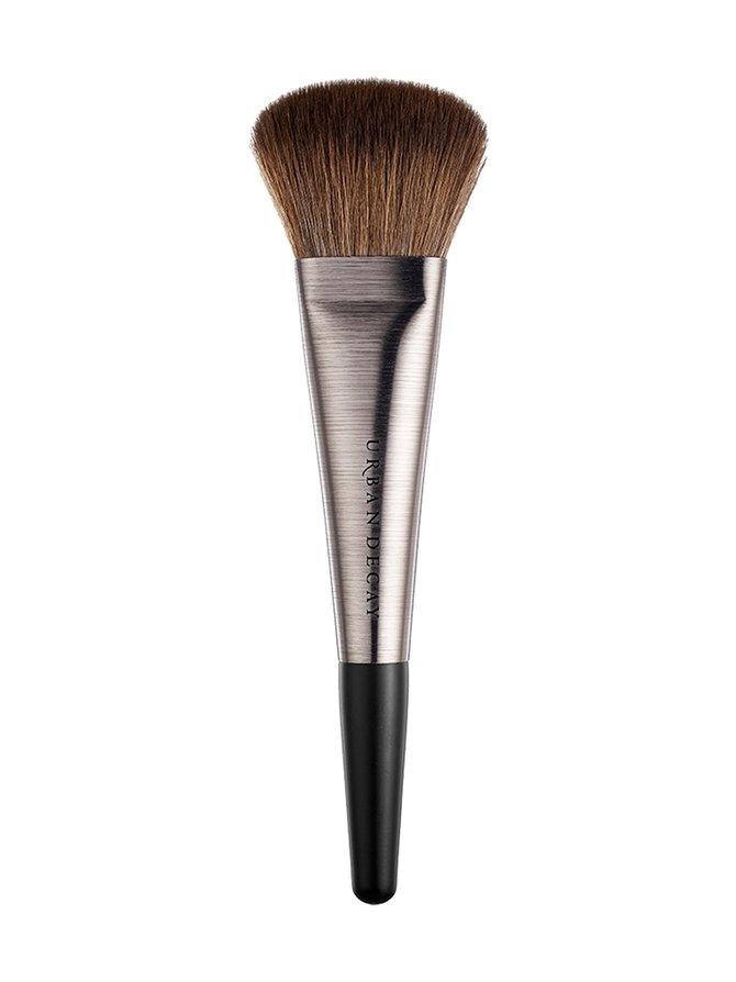 Pro Artistry Brush Large Powder -puuterisivellin