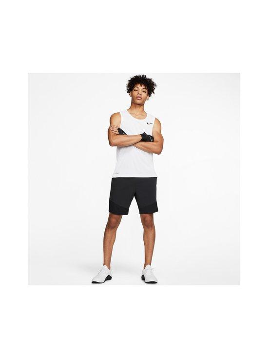 Nike - Pro Tank -paita - 100 WHITE/BLACK | Stockmann - photo 4