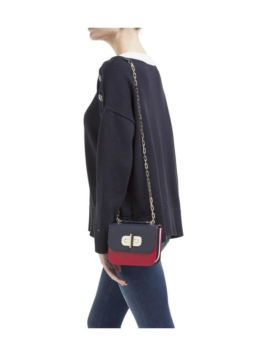 Tommy Hilfiger - Turnlock Small Leather Crossover Bag -nahkalaukku - CJM SKY CAPTAIN/RED | Stockmann - photo 3