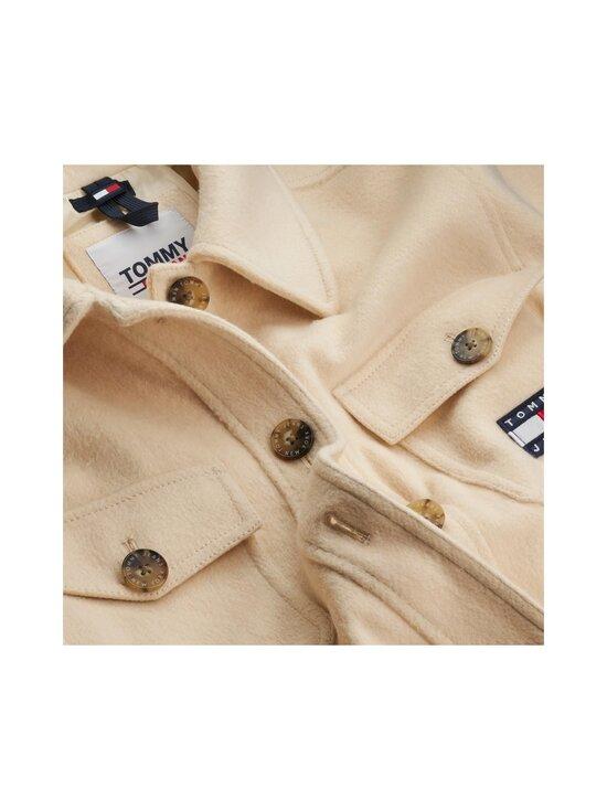 Tommy Jeans - TJW FRONT POCKET BADGE SHACKET -takki - AA8 SUGARCANE | Stockmann - photo 4
