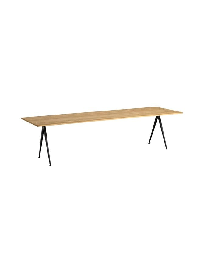 Pyramid Table 02 -pöytä
