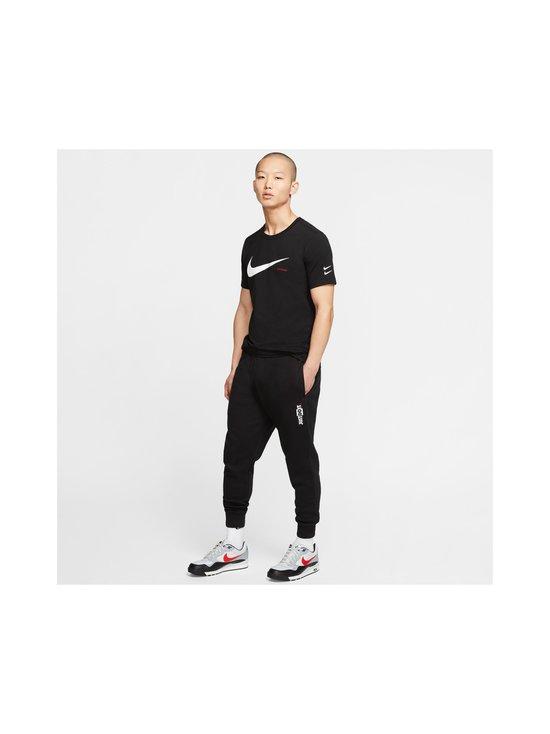 Nike - Swoosh Tee -paita - 010 BLACK/WHITE | Stockmann - photo 7