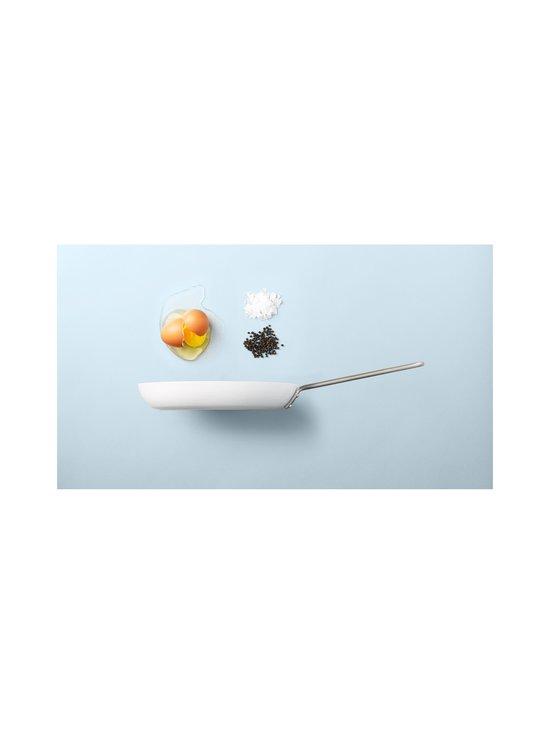 Eva Solo - White Line Frying Pan -paistinpannu 24 cm - WHITE | Stockmann - photo 3