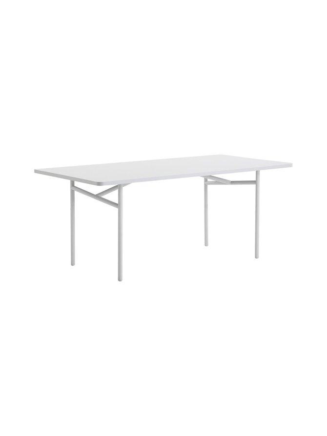 Diagonal-pöytä