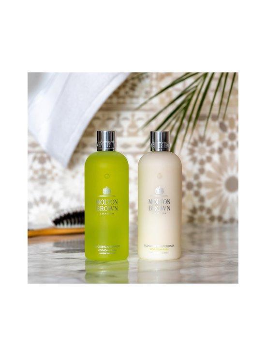 Molton Brown - Glossing Shampoo With Plum-Kadu -shampoo 300 ml - null | Stockmann - photo 4