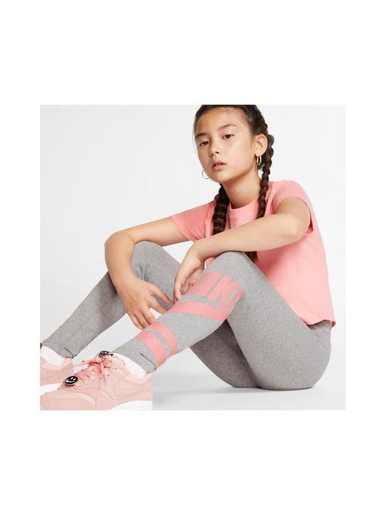 Nike - Sportswear Older Kids' Graphic Leggings -leggingsit - CARBON HEATHER/PINK GAZE | Stockmann - photo 5