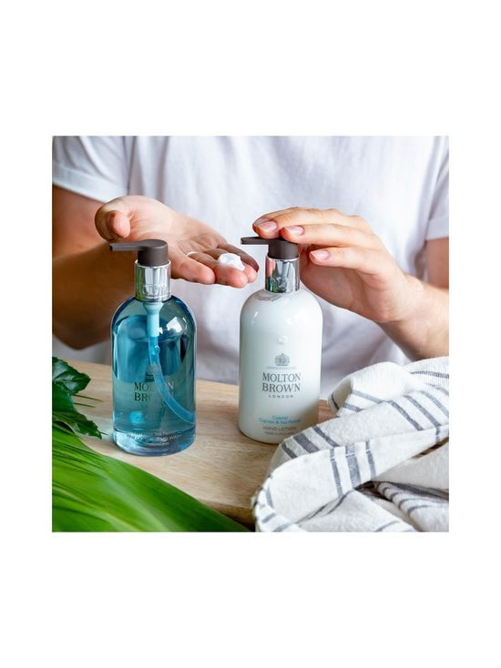 Molton Brown - Coastal Cypress Sea Fennel Hand Lotion -käsivoide 300 ml - NO COLOR | Stockmann - photo 7