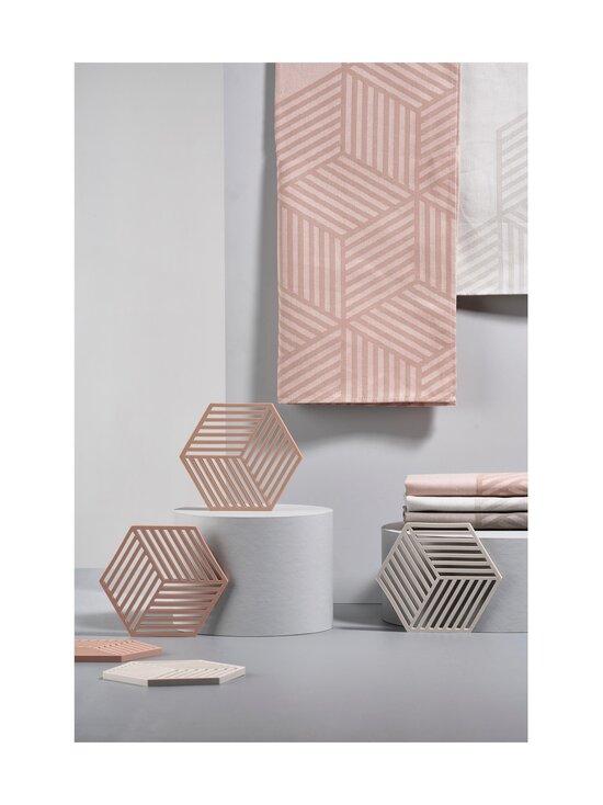 Zone - Hexagon-pannunalunen 16 x 14 cm - WARM GREY   Stockmann - photo 3
